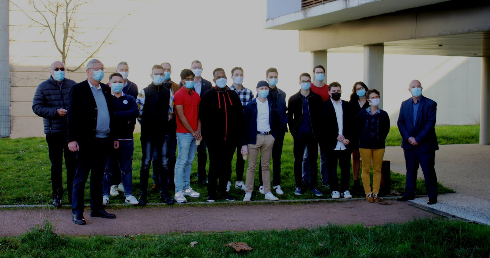 la-delegation-du-lions-club-montcellien-recue-au-lycee-parriat-photo-jsl-mathias-chaidat-1614350621